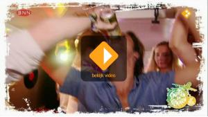 Screenshot Spuiten en Slikken op Reis Russefest